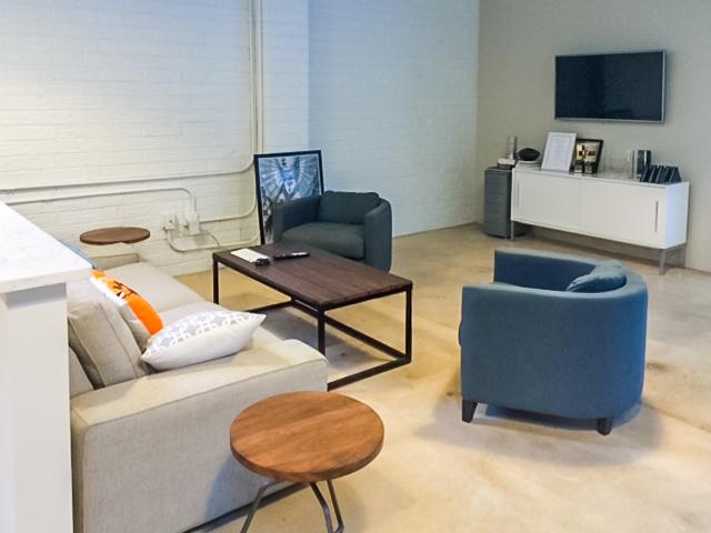 Mode modern office lounge area