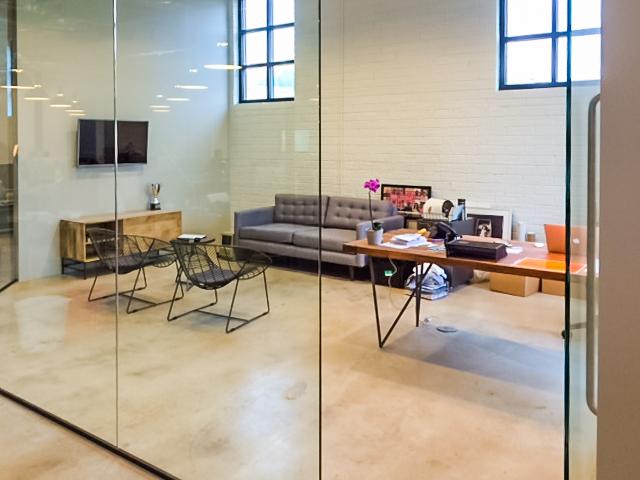 Mode modern office suite